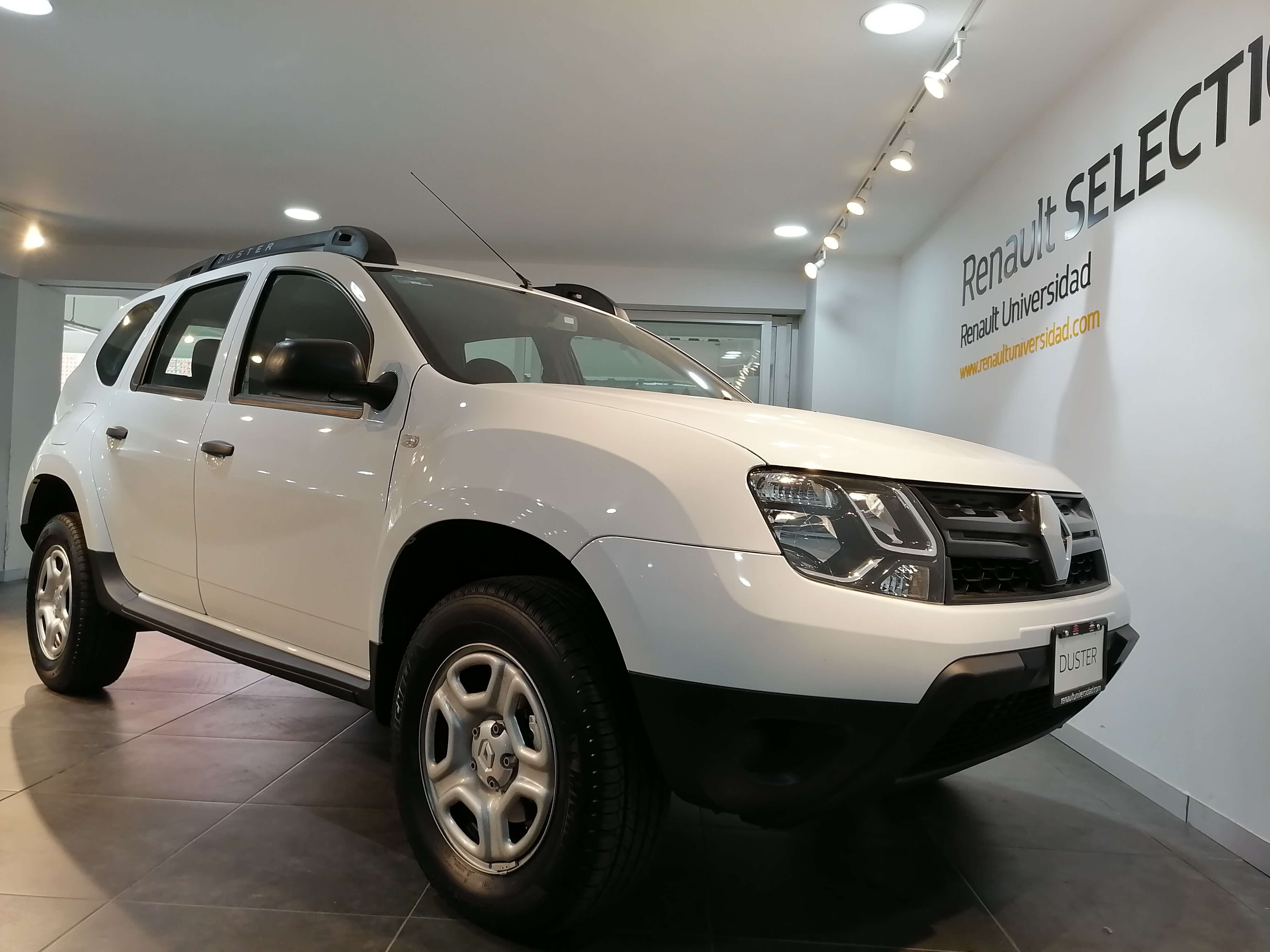 Renault Duster 239,900