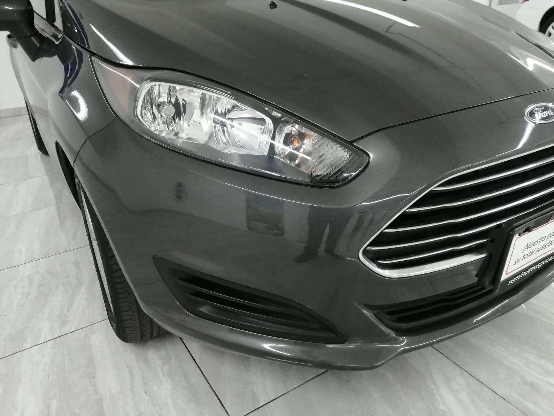 Ford Fiesta Sedán SE TM 2017