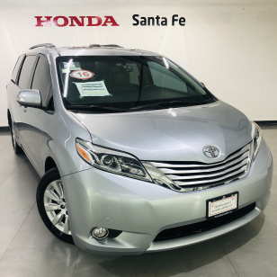 Toyota SIENNA Limited AT - GocarCredit