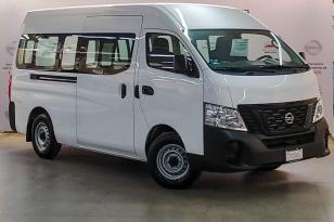 Nissan Urvan 4 PUERTAS PANEL 4 VENTANAS - GocarCredit