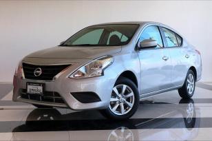 Nissan Versa 4 pts.Sense,TA, a/c.,VE. - GocarCredit