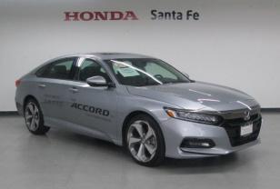 Honda Accord Demo Touring AT - GocarCredit