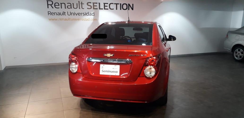 Chevrolet Sonic Frente 15