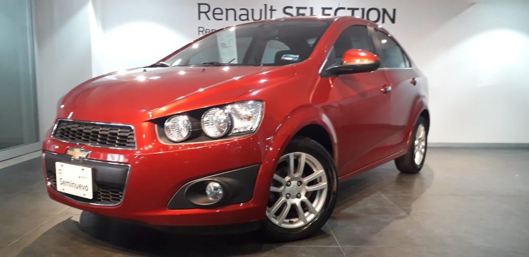 Chevrolet Sonic Atrás 6
