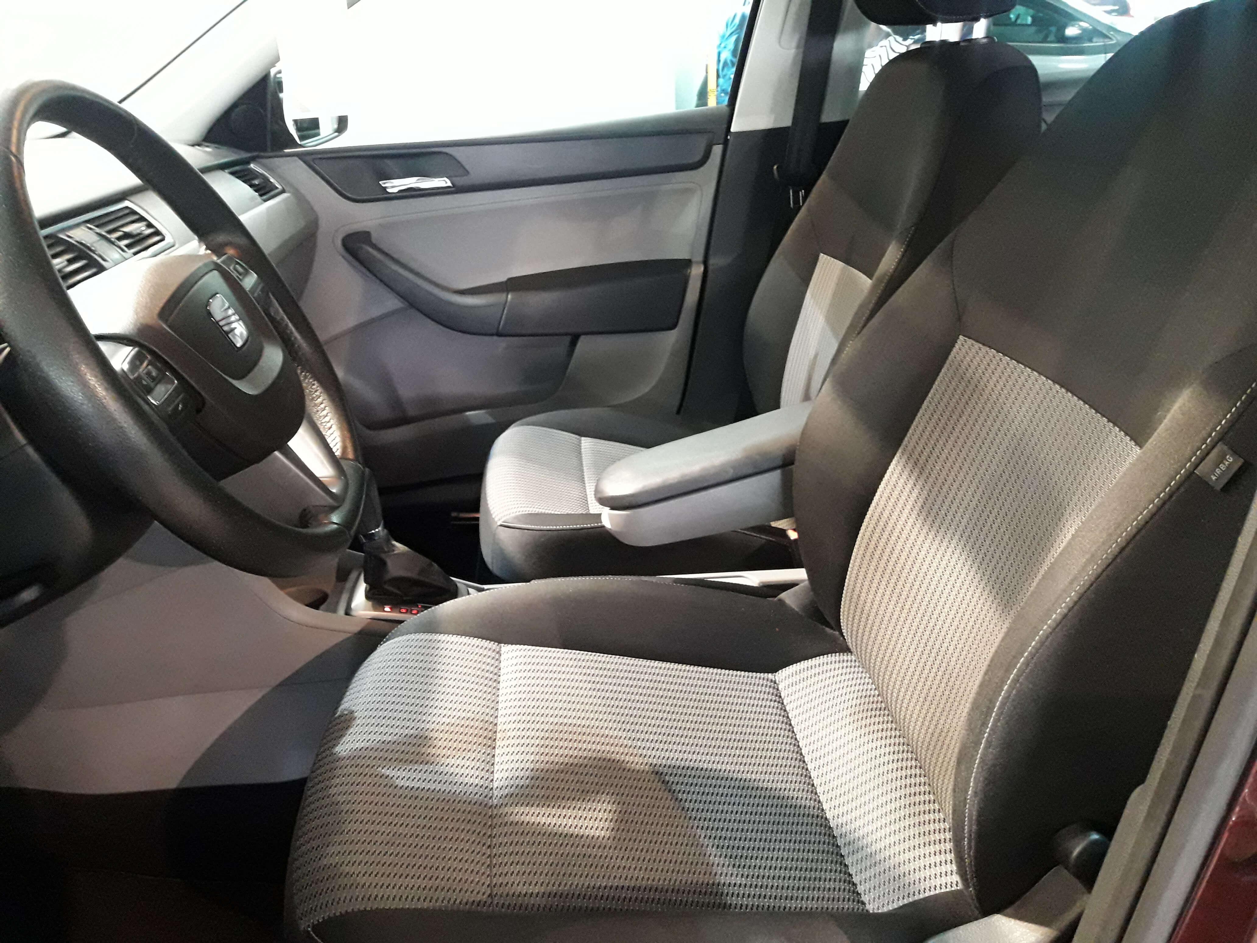 SEAT Toledo Atrás 16