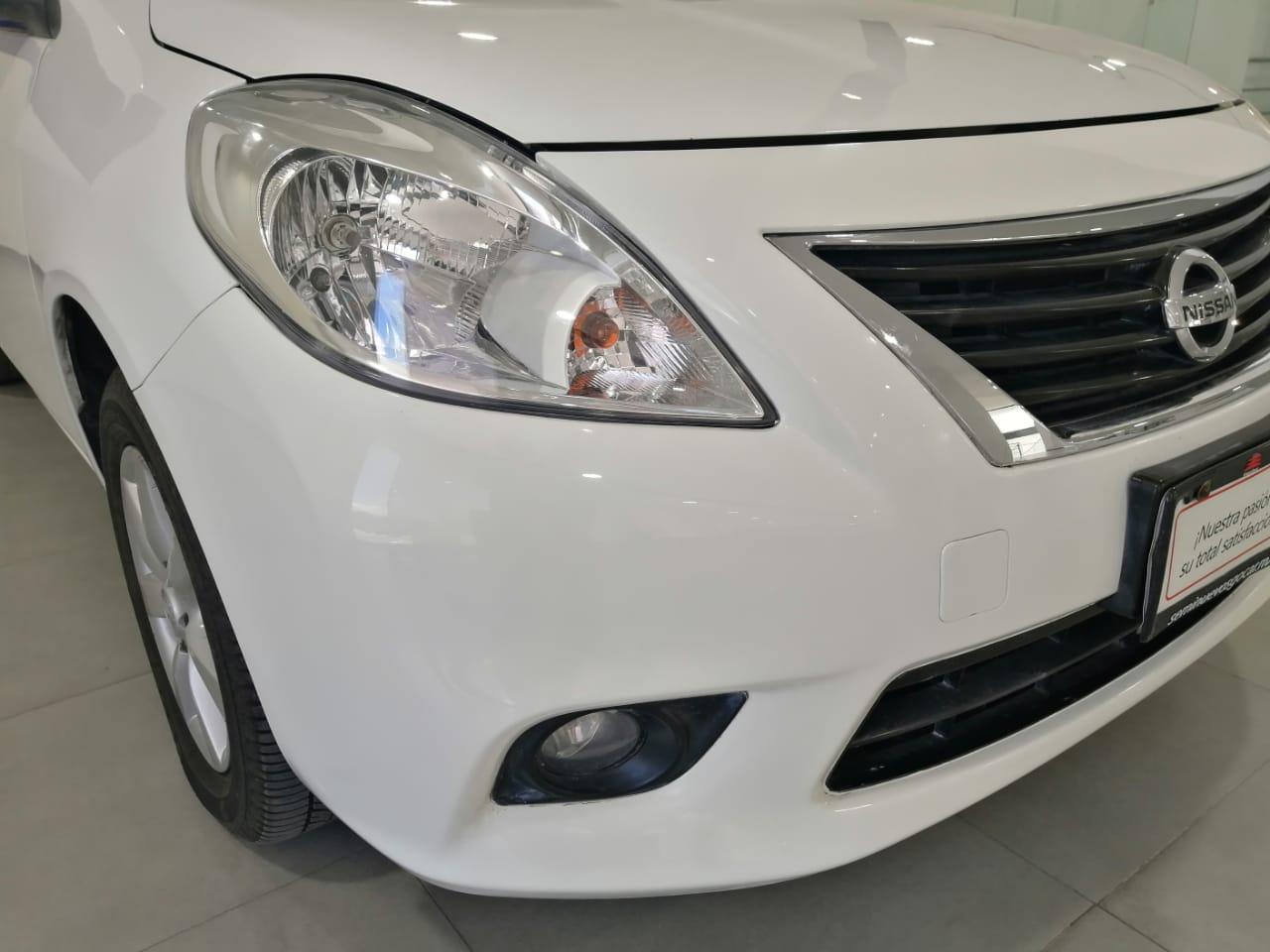 Nissan Versa Arriba 10