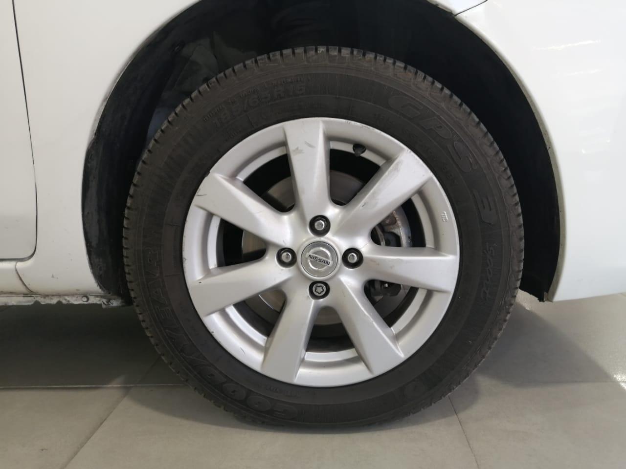 Nissan Versa Interior 21