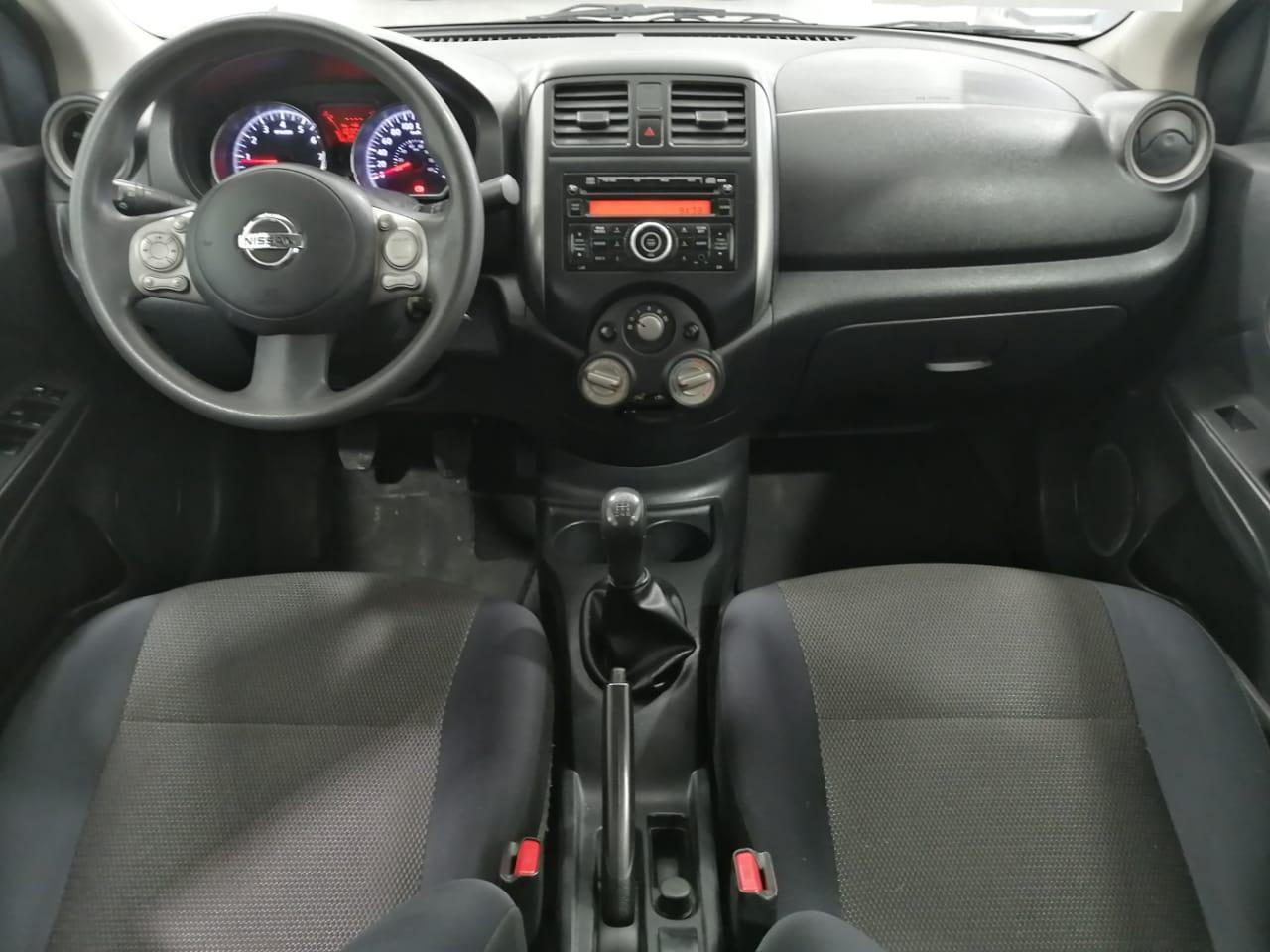 Nissan Versa Frente 16