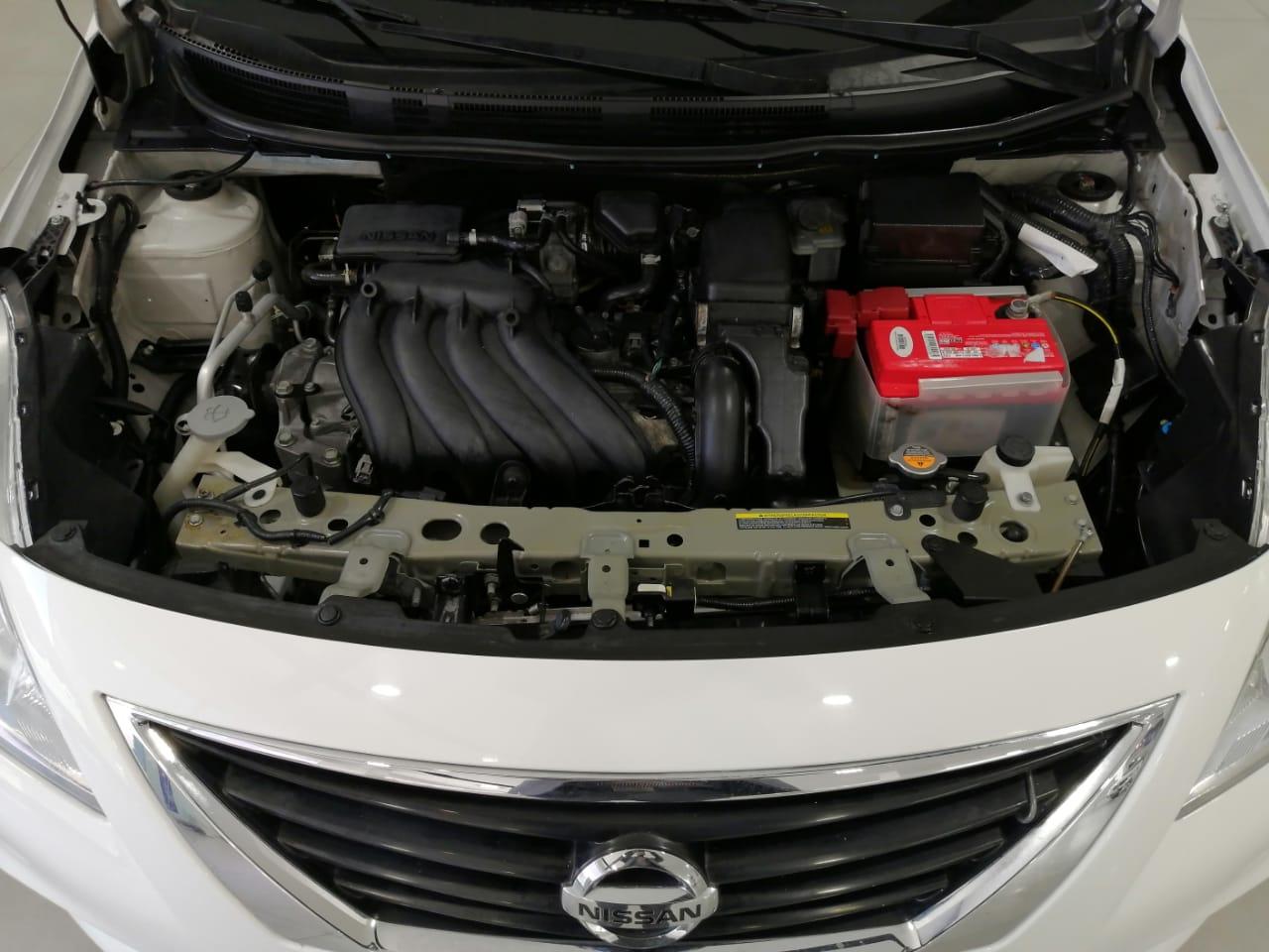 Nissan Versa Llantas 22