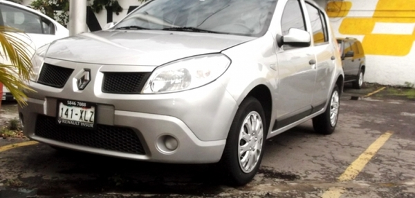 Renault Sandero 90,000