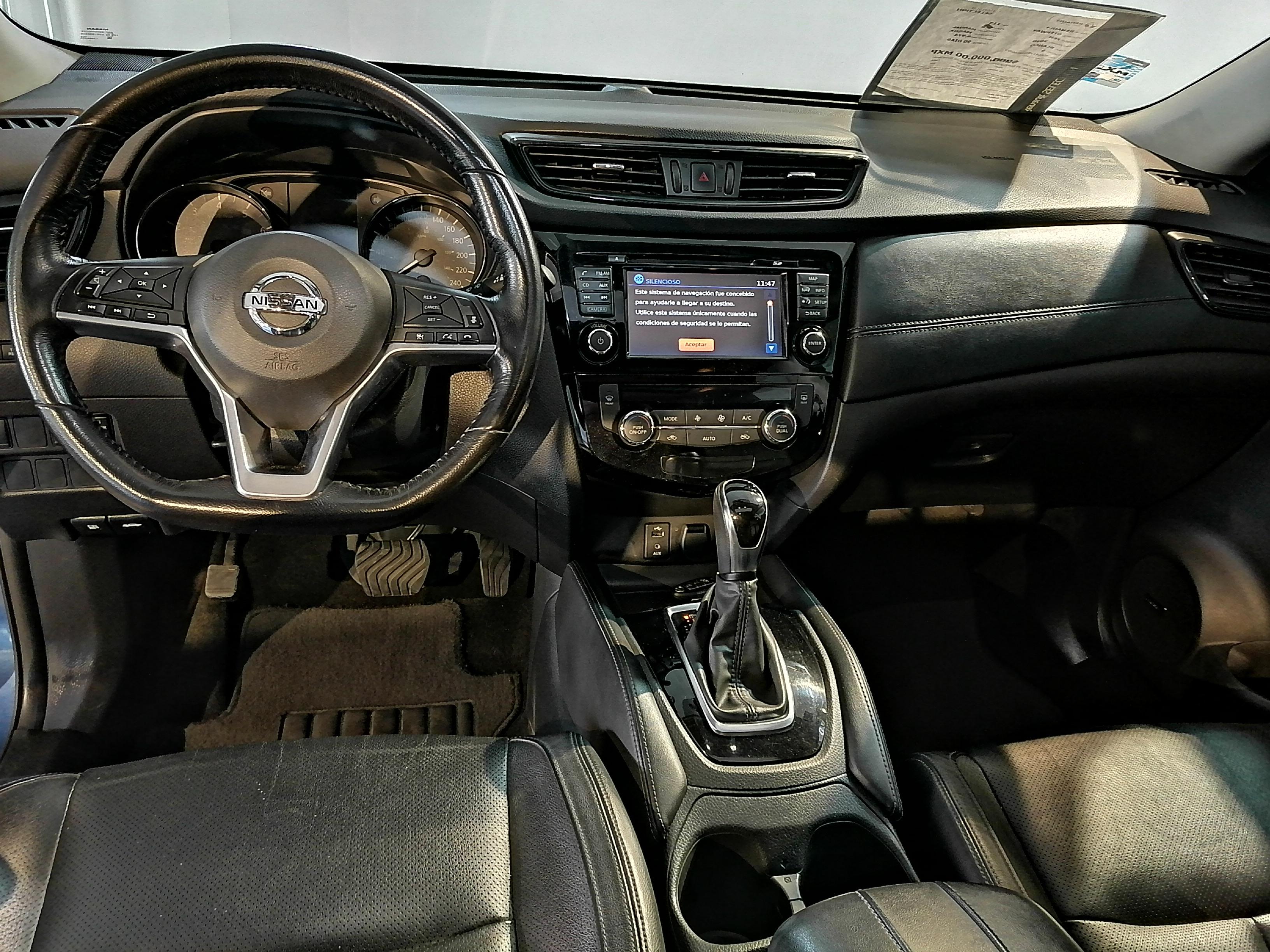 Nissan X-TRAIL Interior 23