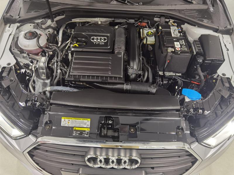 Audi A3 Sedán Lateral izquierdo 20