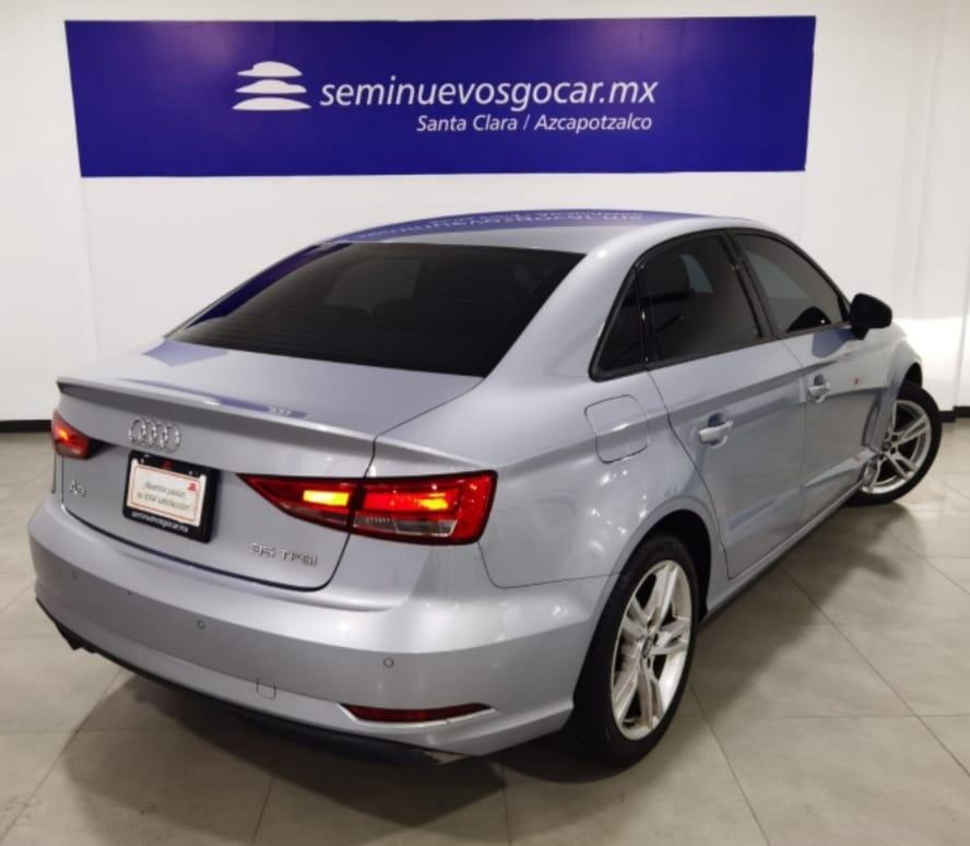 Audi A3 Sedán Interior 3