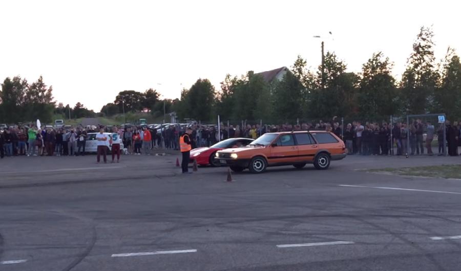 Video: Ferrari vs Passat viejito