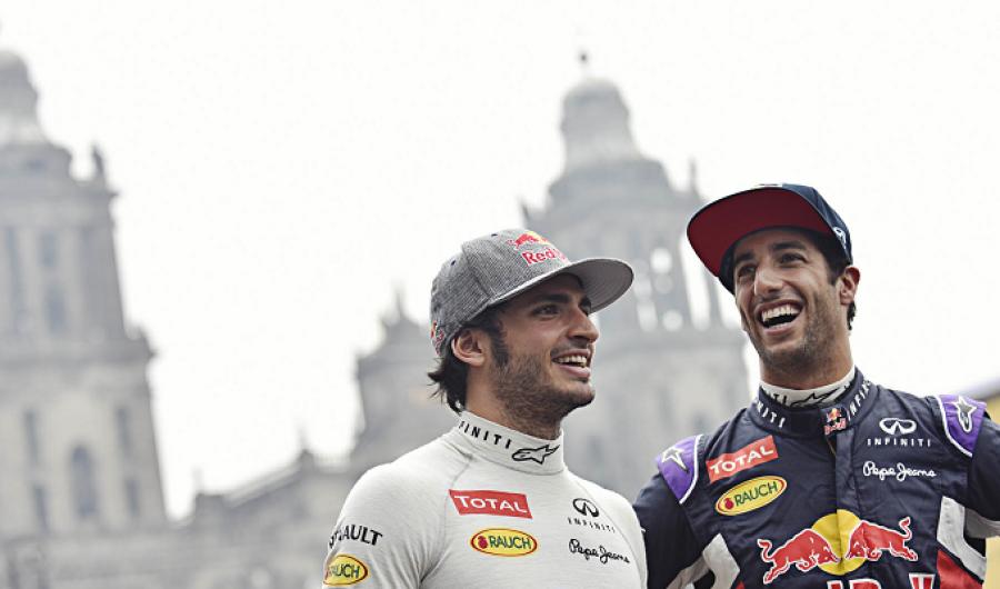 Rugieron motores F1 en el Zócalo