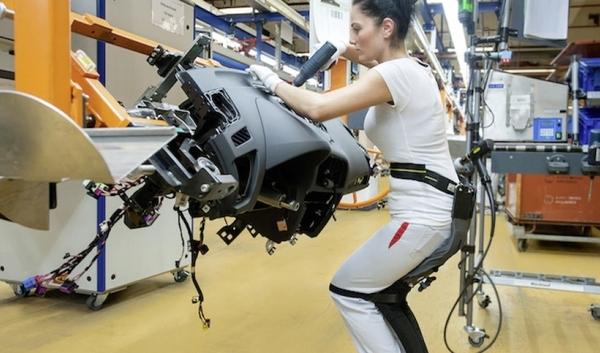 """Tecnología """"chairless"""" para una mejor producción de Audi"""