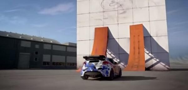 VIDEO: ¡Increíble! Equipo de Hot Wheels escala con un auto una pared