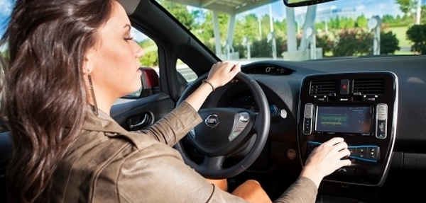 Nissan se convertirá en el socio automotriz exclusivo de Apple