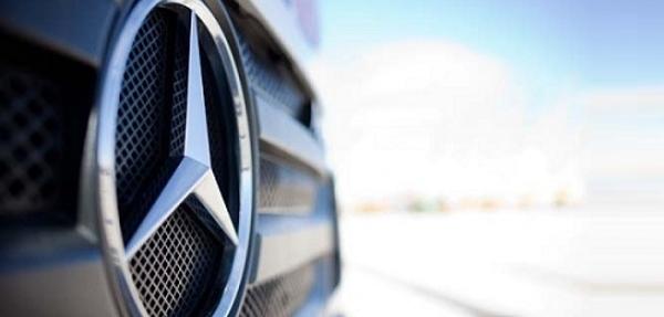 Daimler gana y podrá matricular autos en Francia