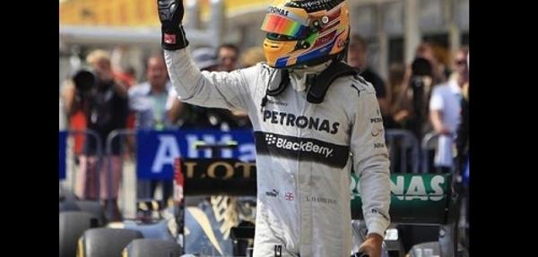 Hamilton firma su tercera 'pole'