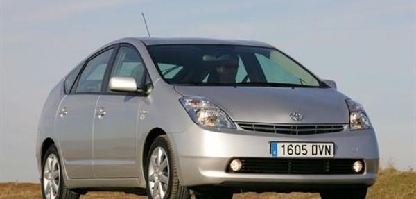 Toyota llama a revisión más de 200.000 unidades del Prius