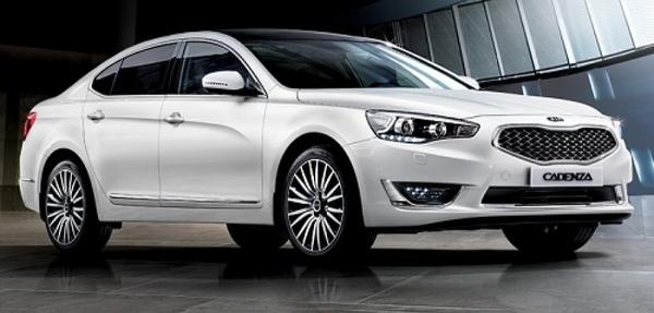 Kia lanza el Cadenza para llenar el vacío entre los vehículos de la gama alta