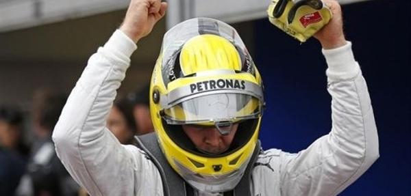 Nico Rosberg impera en el caos de Mónaco