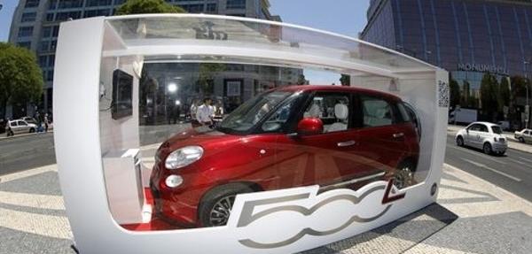Fiat exhibirá un 500L en una caja de juguete frente a la Puerta de Alcalá
