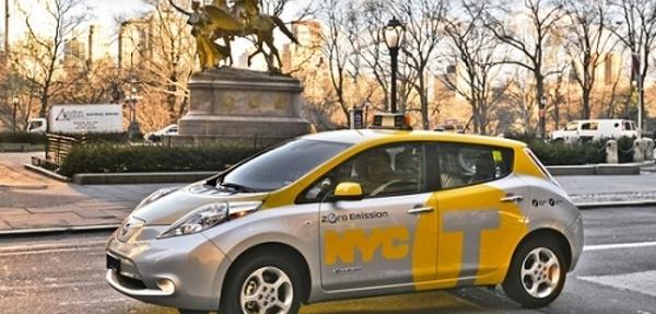 Nueva York lanza un programa piloto de taxis eléctricos