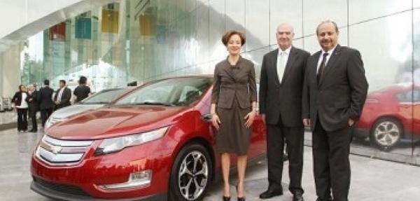 Empleados de GE reciben vehículos eléctricos Chevrolet Volt, para programa piloto con General Motors