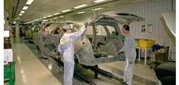 Renault promete producción extra para conseguir acuerdo con sindicatos