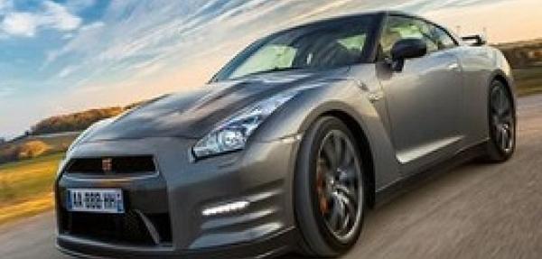 Nissan lanza en España el GT-R 2013