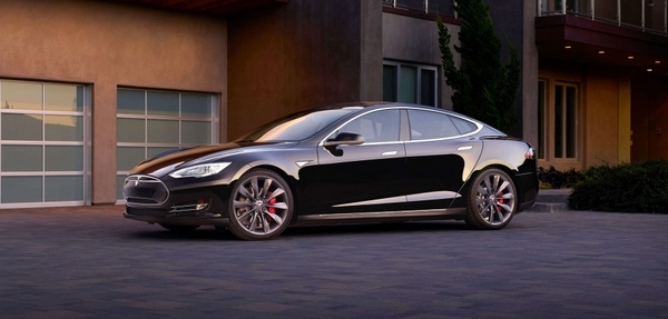 Tesla rompe a Consumer Reports