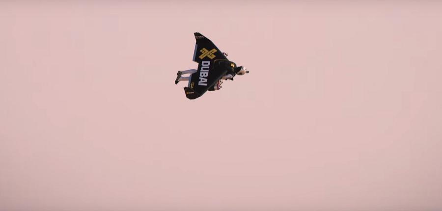 Video: Jaguar XJR vs Jetman