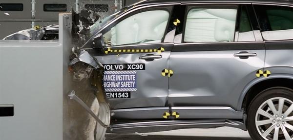 Los SUVs más seguros del año (por segmento)
