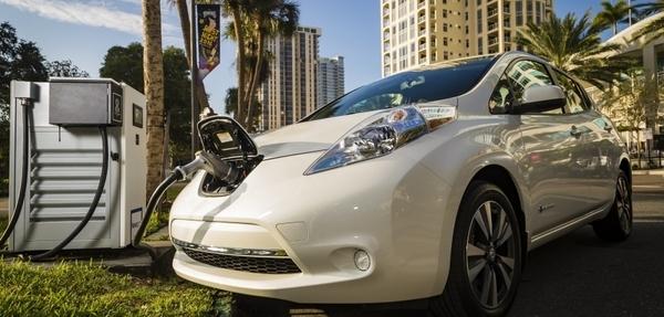 Auto eléctrico del año: Nissan Leaf