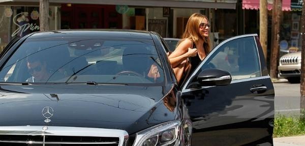 Tres latinos famosos con autos de super lujo