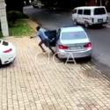 Impactante: Frustra conductor robo de Porsche