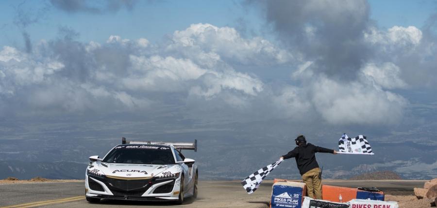 Acura se lleva la victoria y establece nuevo récord en Pikes Peak