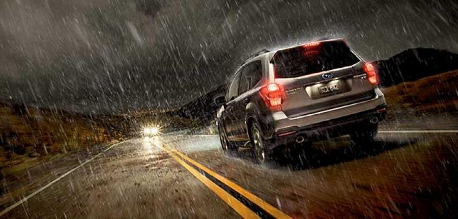 ¿Sabes qué cuidado tener con los neumáticos en época de lluvia?