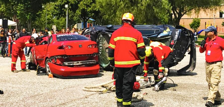 Vídeo en vivo: Rescate de un vehículo colapsado