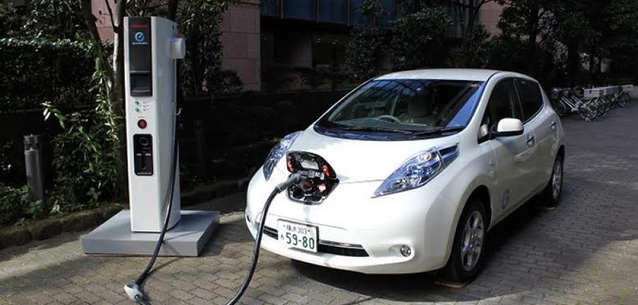 ¿Quieres un auto eléctrico, pero temes no poderlo cargar?