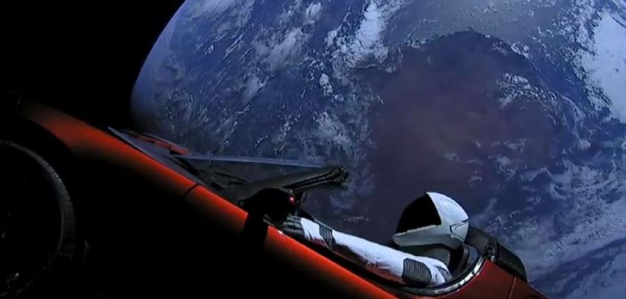Un Roadster de Tesla ya se encuentra fuera de la Tierra