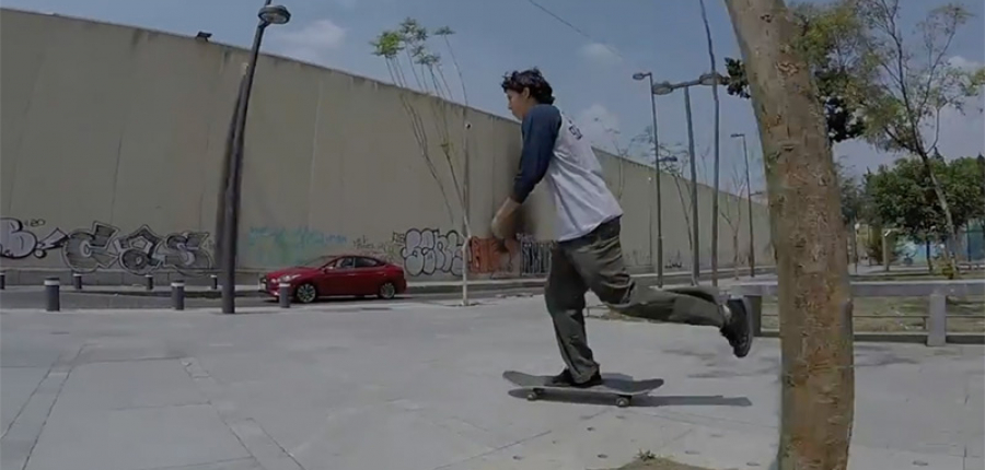 Chécate el empujón que le dio Hyundai Accent a este patinador