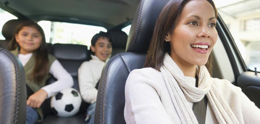 Recomendaciones  para las mamás al conducir