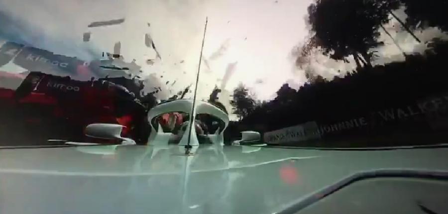 Video: Una toma escalofriante y espectacular del accidente de Alonso enF1