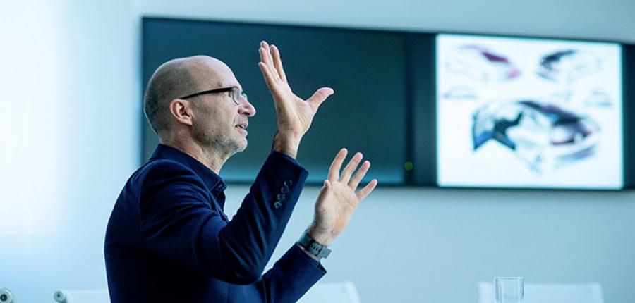 Entrevista : Klaus Bischoff, Diseñador en Jefe de Volkswagen