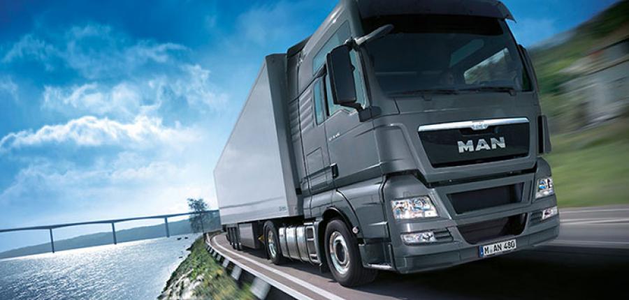 Cómo convivir con camiones en carretera y no morir en el intento