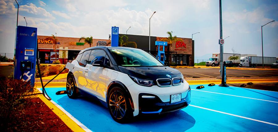 Nissan y BMW Group Latinoamérica inicia operaciones del corredor eléctrico abierto más grande de Méx