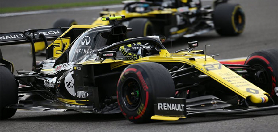 ¿Sabes cómo afecta la elección de los neumáticos al desempeño de un auto de carreras?